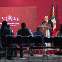 Presidente anuncia becas para formar en el extranjero a 30 mil médicos especialistas